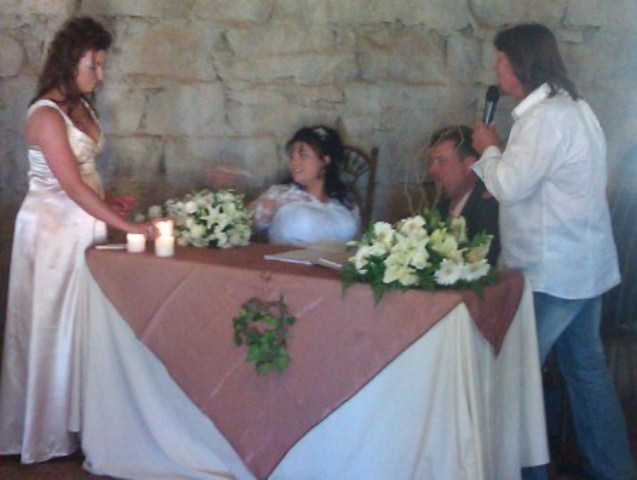 Registry table 2 - Fredi Nest sing - Karin Prinsloo and Jurie van Aswegen at Stables of Zebra Country Lodge